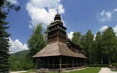 Dřevěný kostel sv. Prokopa a Barbory