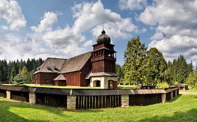Svätý kríž - drevený artikulárny kostol