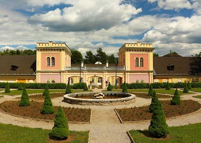 Kaštieľ a park v Hodkovciach