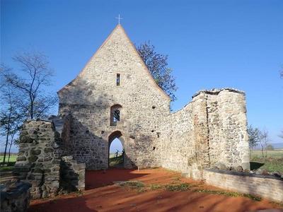 Pustý kostol Veľká Čalomija